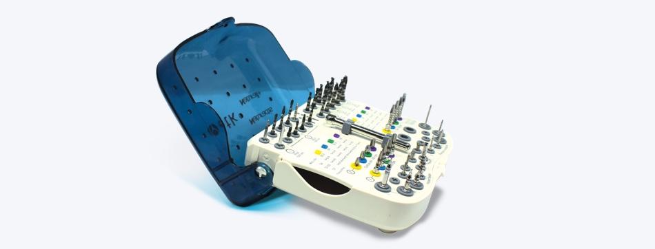 Trousse de chirurgie commune pour ranger les différents diamètre d'implants